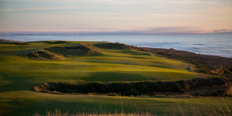 Photo of Bandon Dunes golf hole with ocean in background