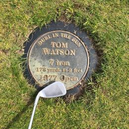 Plate commemorating a great shot by Tom Watson